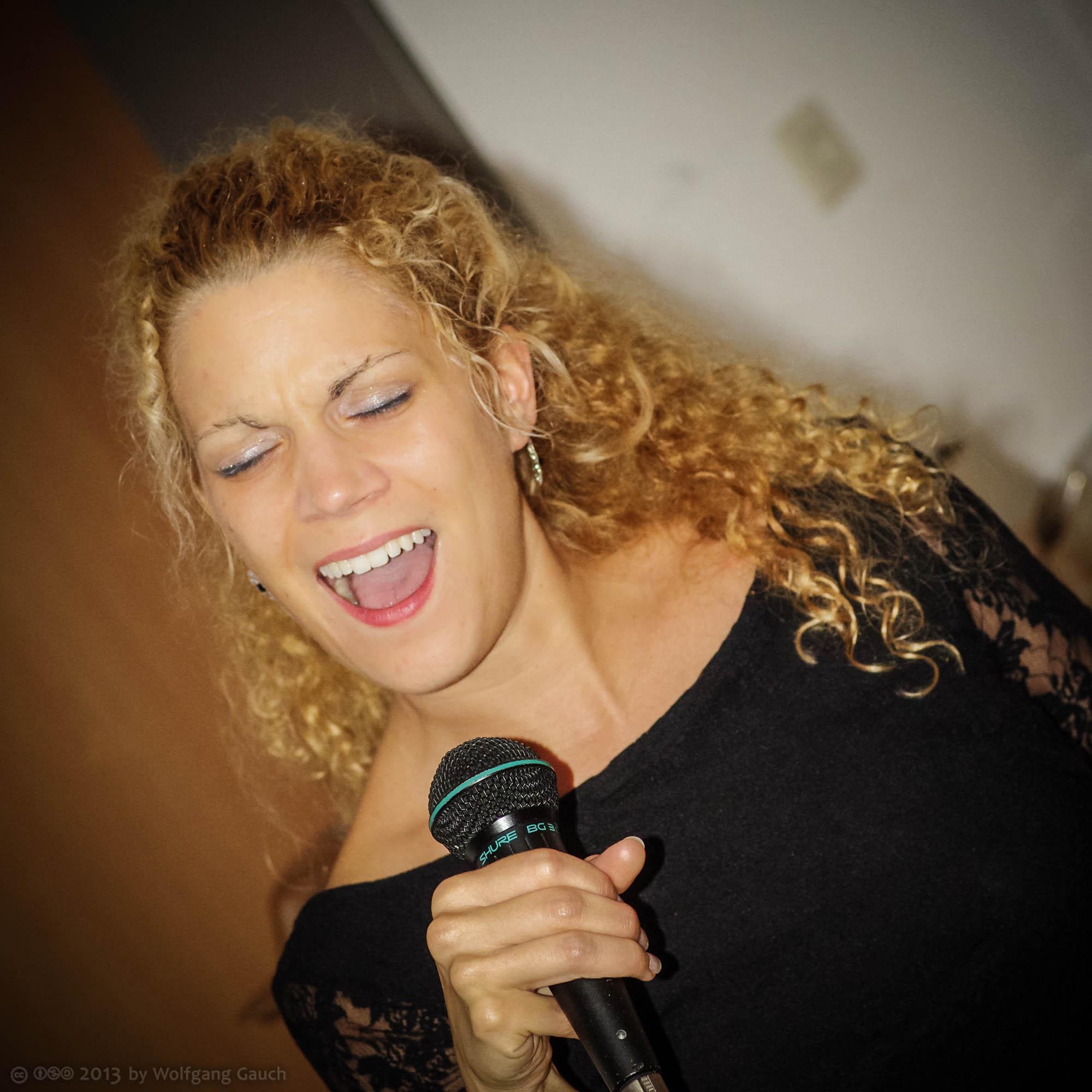 Nadine Kaepple